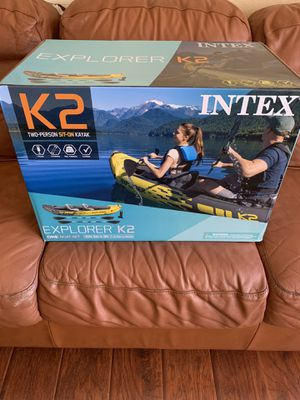 Intex explorer kayak k2 with aluminum oars and pump for Sale in Claremont, CA