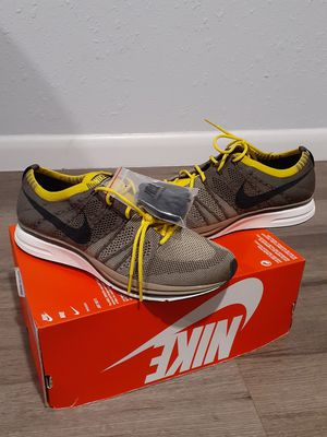 Nike flynit trainers size 10 for Sale in North Miami, FL