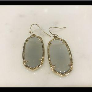 Kendra Scott Drop Earrings for Sale in San Antonio, TX