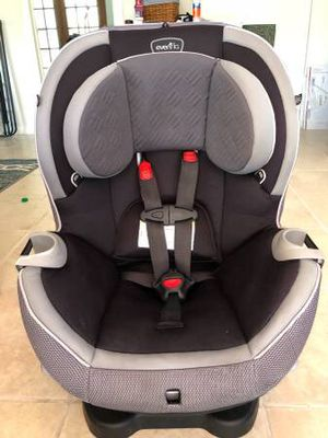 Gray Evenflo Triumph Convertible Car Seat 5-65lbs for Sale in West Palm Beach, FL