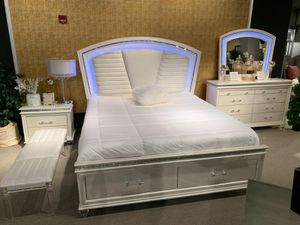 Bed room set take it with $39 down no credit need it for Sale in Dallas, TX