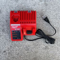 MILWAUKEE M12 And M18 CHARGER for Sale in Anaheim,  CA