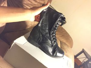 Combat boots SIZE 6 1/2 for Sale in Columbus, OH