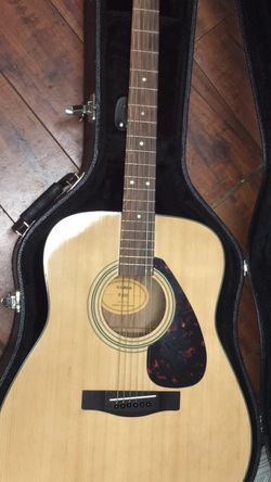 Acoustic Guitar for Sale in Moreno Valley,  CA
