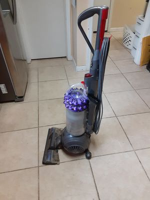 Dyson Cenetic big ball vacuum for Sale in Phoenix, AZ