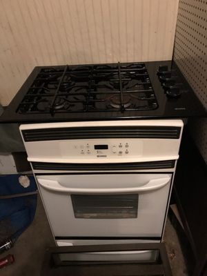 Kenmore gas range top stove and electric oven model number 790.30172400 for Sale in Saint Albans, WV