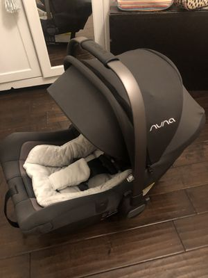 Nuna Pipa Lite Carseat with Extra Insert and Base- In Great Condition for Sale in West Covina, CA