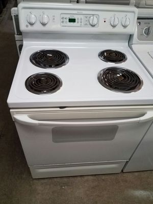 GE COIL TOP ELECTRIC STOVE for Sale in Temple Hills, MD