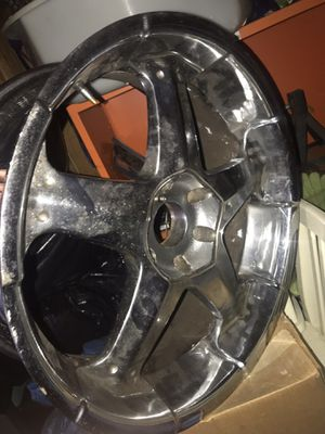"""20"""" chrome rims for Sale in Dundalk, MD"""