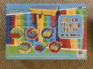 Lego blocks playing table set,32 pieces, (Tags, kids toy ,toy) for Sale in San Diego, CA