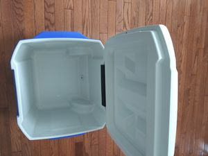 Coleman 45qt cooler New for Sale in UPR MARLBORO, MD