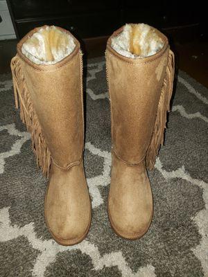 Boots size 8 NEW for Sale in Tonawanda, NY