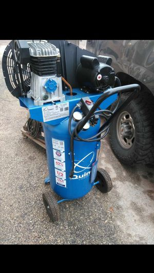 Quincey 26 gal air compressor for Sale in San Antonio, TX
