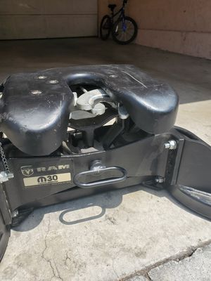 Ram Fifth Wheel Hitch 30,000 for Sale in Garden Grove, CA