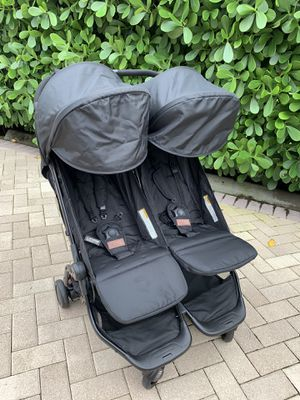 Mountain Buggy double Luna stroller for Sale in Coral Springs, FL