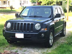 2007 Jeep Patriot manual transmission for Sale in Rittman, OH