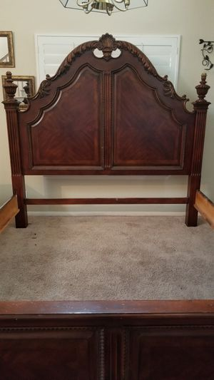 King/Cal king bed frame for Sale in Lake Elsinore, CA