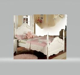 Girls White Bedroom Set For Your little Princess ! for Sale in Cherry Hill,  NJ