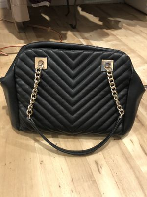 Black and gold purse for Sale in Tuscola, TX