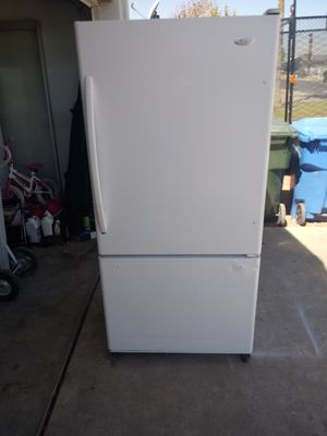 Whirlpool refrigerator for Sale in Phoenix, AZ