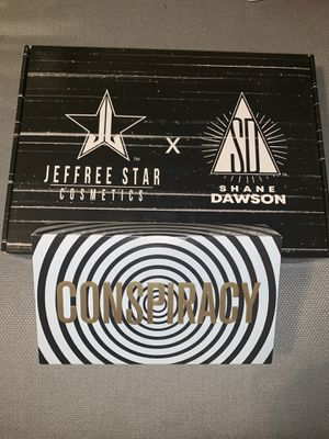 Brand New (SOLD OUT WORLDWIDE) Jeffree Star x Shane Dawson Conspiracy Palette & Black Pig Mirror Bundle for Sale in Phoenix, AZ