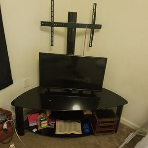 """TV stand + 32"""" tv for Sale in Lakewood Township, NJ"""