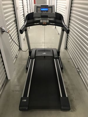 nordictrack commercial treadmill- FREE DELIVERY for Sale in Chicago, IL