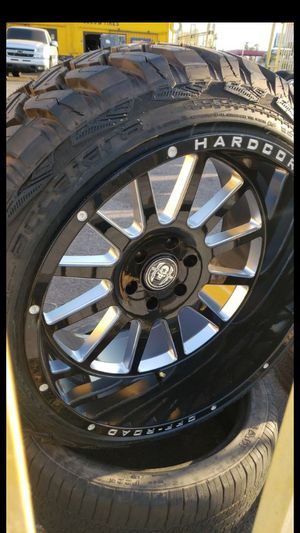 22x12 black hardcore offroad rims 6 lug 6x139 whit New MUD tires 33 1250 22 lt for Sale in Phoenix, AZ