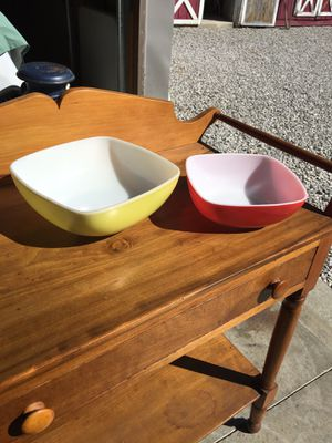 Square Pyrex bowls for Sale in Hiram, OH