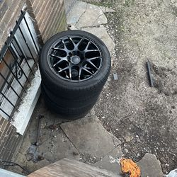 17 Inches Rim 7.5 Looks Good. Color Black for Sale in Washington,  DC