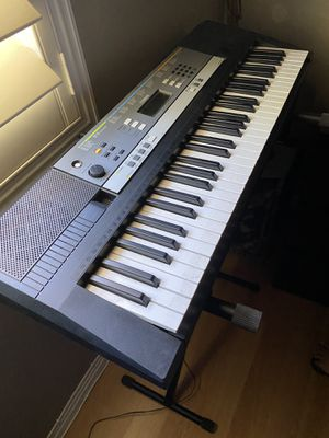 Yamaha Keyboard with Stand for Sale in La Puente, CA