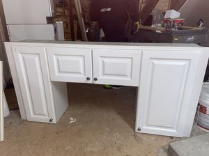 Wall Bridge Kitchen Cabinet for Sale in Boston, MA