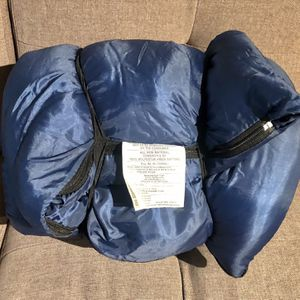 "Exxel Outdoors Sleeping Bag 33"" x 75"" / 3 Lbs for Sale in Irvine, CA"