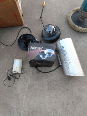 Security camaras and wires for Sale in Los Angeles, CA
