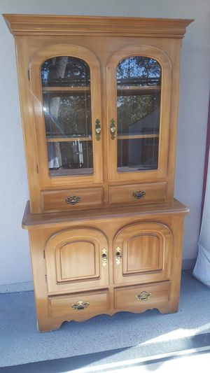 TWO PEICE PROJECT CHINA HUTCH for Sale in Oakdale, CA