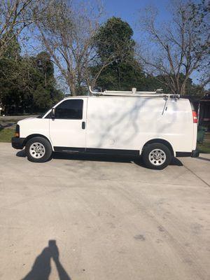 Chevy express cargo v6 4.8 2014 for Sale in Pasadena, TX