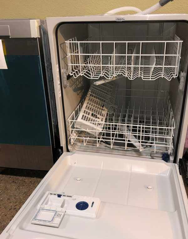 Brand New Whirlpool Dishwasher (Model:WDF520PADM)