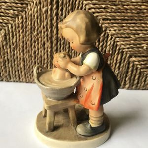 "/Vintage Goebel Hummel ""Little Girl with Doll Bath"" #319 for Sale in Kirkland, WA"