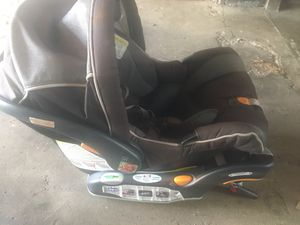Chicco Keyfit car seat, base and caddy for Sale in Chicago, IL