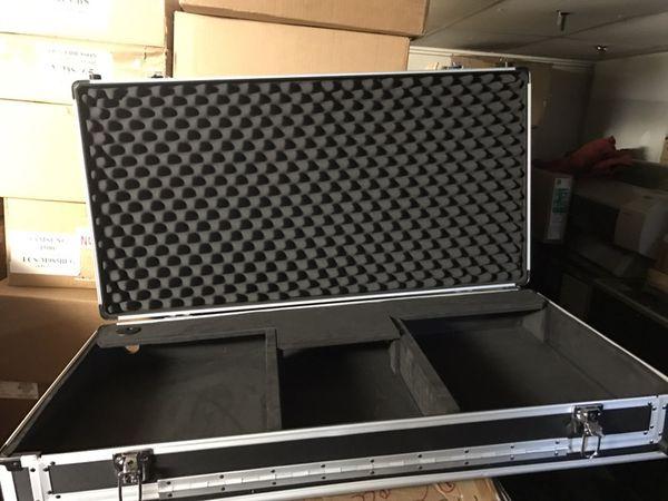 ** Pioneer / Denon CDJ Dj Mixer console / case