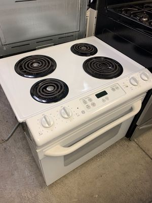 "San Carlos appliances. Sale & services. Used,30"" drop in electric stove , GE brand, self clean oven , white color, great condition for Sale in San Jose, CA"