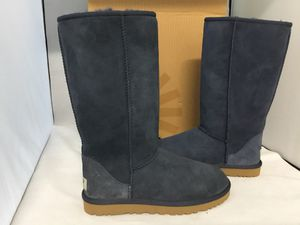 Ugg classic tall Navi blue size 6,7 for Sale in San Francisco, CA