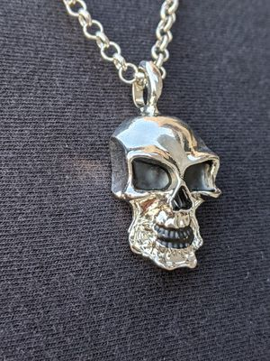 "21"". Skull pendant. Motorhead Lemmy approved. Shiny finish for Sale in San Antonio, TX"