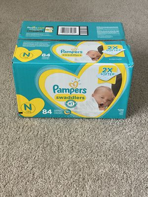 Pampers swaddlers size newborn for Sale in Las Vegas, NV