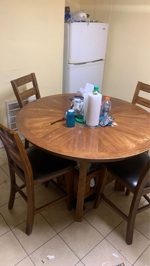 Kitchen Table!! Everything Must Go!! for Sale in Laurel, MD