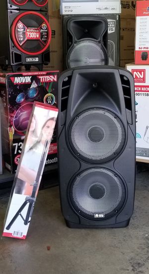 """2500 watts. Double 12"""" woofer Speaker. Bluetooth. FM radio. USB connection. Rechargeable battery. Wireless microphone inlcuded. Brand New. for Sale in Miami, FL"""