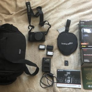 Sony a6500 with lens sigma 19 mm for Sale in Beverly Hills, CA