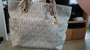 Michael Kors purse for Sale in Lynchburg, VA