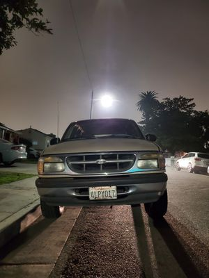 1996 Ford explorer for Sale in Lynwood, CA