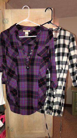 Women's 2 Fall Shirt Lot for Sale in Woodstock, GA